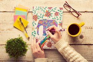 5 Exercices et techniques d'art-thérapie pour adultes